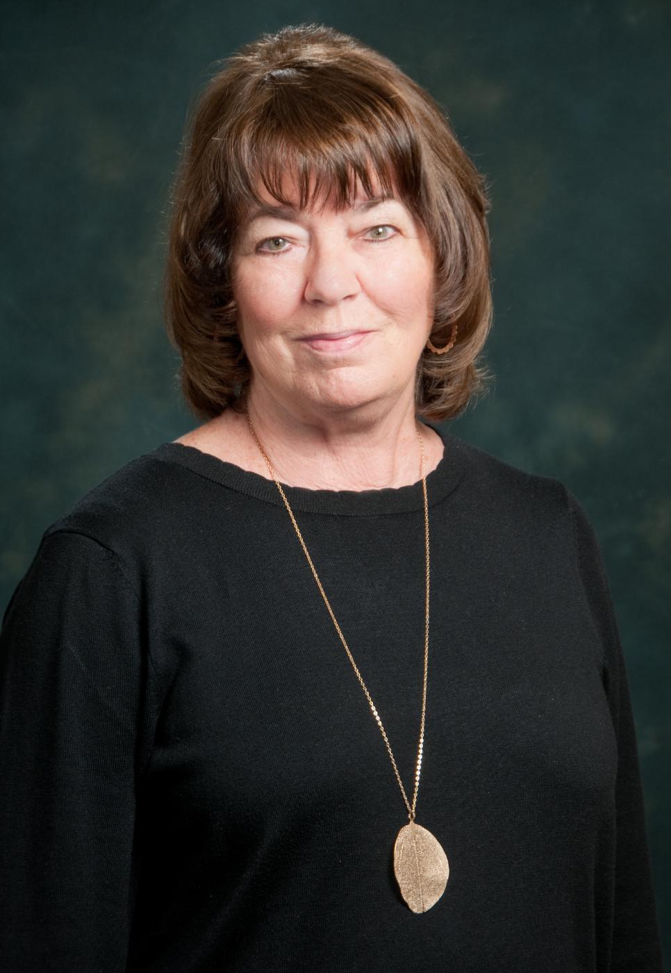 Geraldine-Headshot-Portrait-.jpg